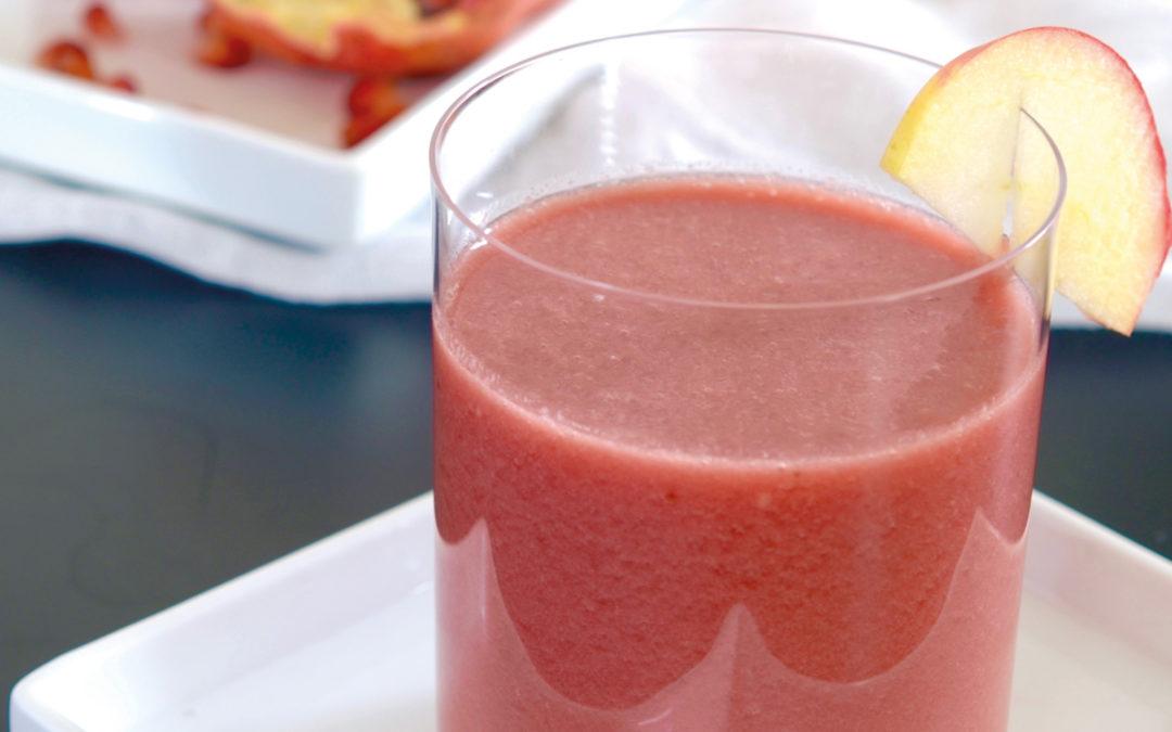 Granatapfel-Smoothie mit Erdbeerkernöl